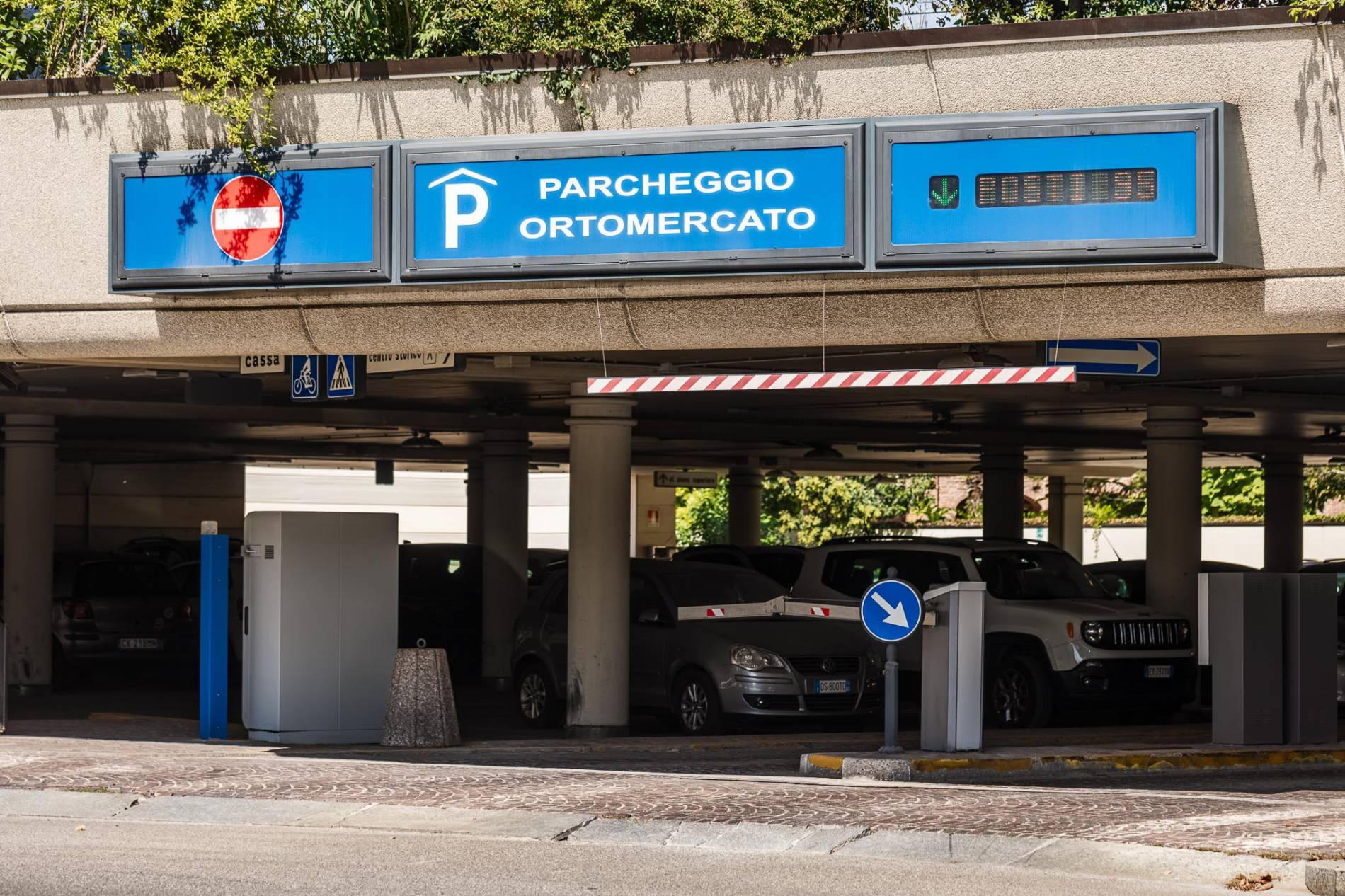 lavori-manutenzione-parcheggi-ortomercato